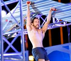 Mother makes history as first to finish 'American Ninja Warrior' course