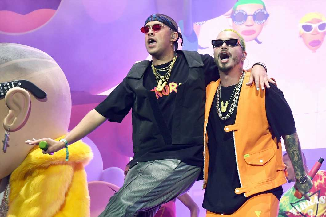 J Balvin, Bad Bunny Continue Can't-Miss Run With Joint Album 'Oasis'