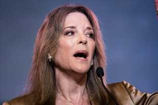 Marianne Williamson's Performance At The Democratic Debate Has People Either Stanning Or Feeling Very Confused