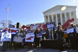 The Supreme Court Says Federal Courts Can't Decide Partisan Gerrymandering Cases