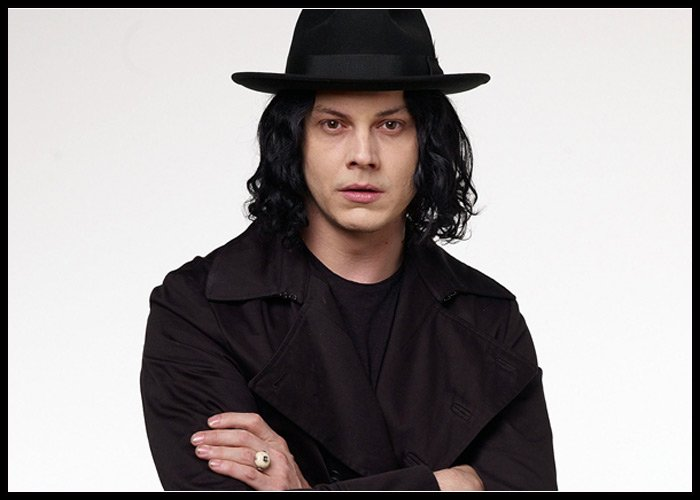 Jack White Admits He Doesn't Own A Cell Phone