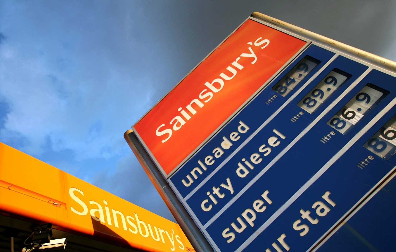 Sainsbury's is giving shoppers a 10p a litre discount on petrol – here's how to get it
