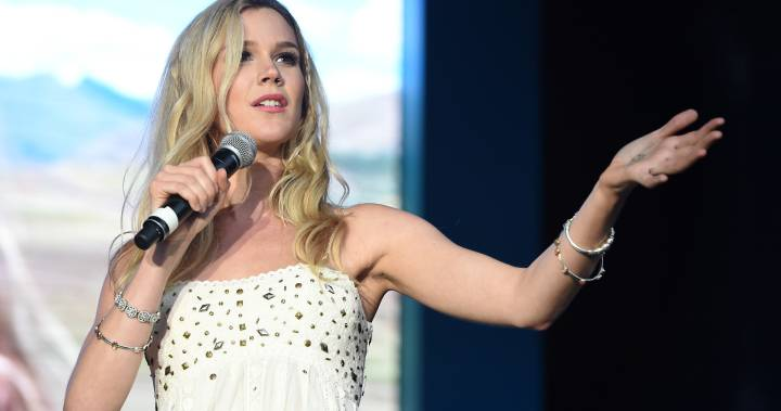 Joss Stone claims she was deported from Iran on last stop of world tour