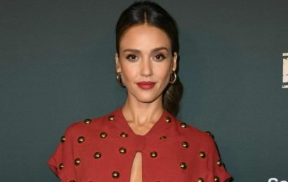 Jessica Alba's Twitter account hacked, homophobic and racist messages sent out