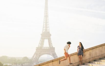 This Website Lets You Hire Local Photographers While You Travel, So Hello, Paris Engagement Shoot