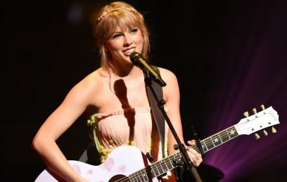 "Taylor Swift's ""Lover"" Is a Romantic Ode to Joe Alywn, and Swifties Are Sobbing Happy Tears"