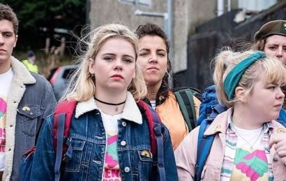You Should Prob Know About the Real Events From 'Derry Girls' Season 2 Before You Binge