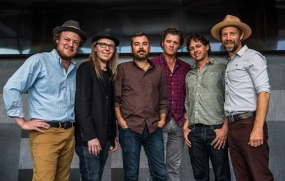 Hear Steep Canyon Rangers, Boyz II Men Harmonize on 'Be Still Moses'