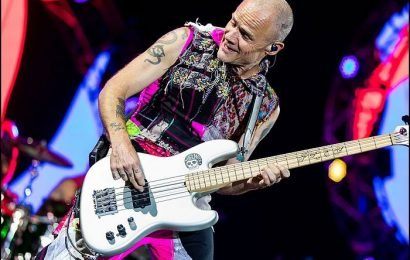 Red Hot Chili Peppers' Flea To Hold Book Discussion, Signing