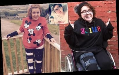 Teen's rare condition causes her joints to dislocate 80 TIMES a day