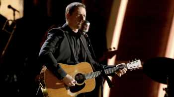 Sturgill Simpson Announces Club Tour to Benefit Special Forces Foundation