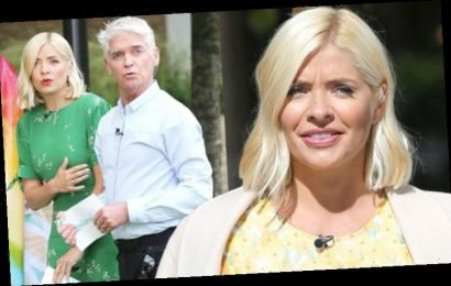 Holly Willoughby apologises to This Morning colleagues in backstage Phillip Schofield clip