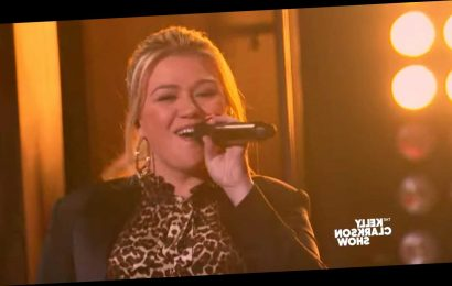 Watch Kelly Clarkson cover Joan Jett's I Love Rock 'N Roll
