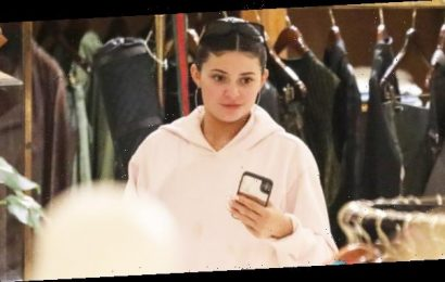 Kylie Jenner Goes Shopping Make-Up Free In Sweatpants & Hoodie After Being Linked To Drake