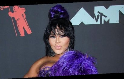 Lil Kim Kisses Her Boyfriend After Going Public With New Romance: 'That's My Baby'