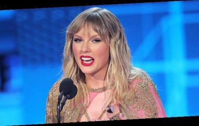 Taylor Swift Takes High Road At AMAs & Ignores Scooter Braun Drama In Artist Of The Decade Speech