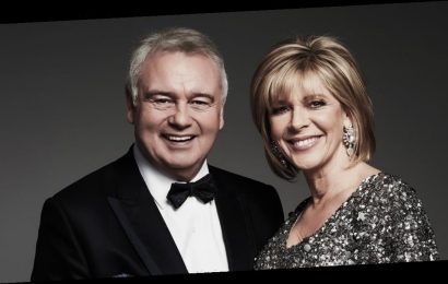 Ruth Langsford throws dinner in Eamonn Holmes' face over disappointing present