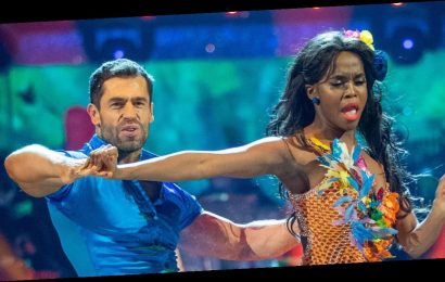 Kelvin Fletcher and Oti Mabuse win Strictly Come Dancing 2019