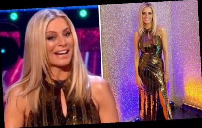 Tess Daly: Strictly host flashes pins in show-stopping skintight dress for grand finale