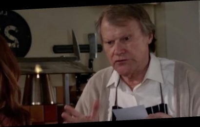 Coronation Street fans in hysterics over 'filthy' Roy Cropper sex talk in cafe
