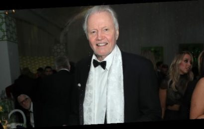 Jon Voight Reveals How He Feels About Seeing Angelina's Ex Brad Pitt At Golden Globes 3.5 Years After Split
