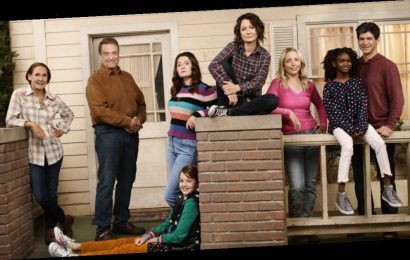 "'The Conners' Goes Live & ""Anything Can Happen,"" Showrunner Bruce Helford Says"