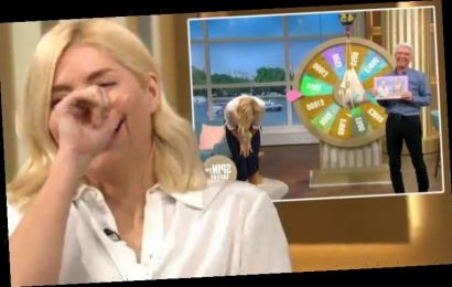 Holly Willoughby breaks down with laughter in huge This Morning blunder 'What did you say'