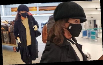 Joan Collins, 86, sports a face mask gloves amid coronavirus outbreak