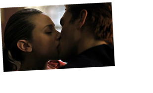 This Wild 'Riverdale' Theory May Explain Betty & Archie's Kiss