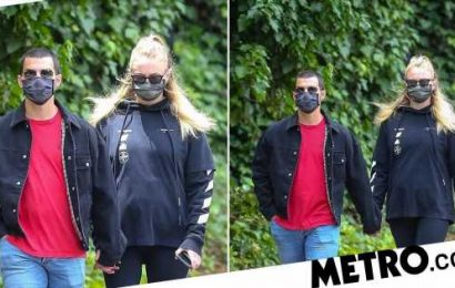 Sophie Turner and Joe Jonas make even lockdown look cool in matching face masks