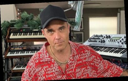 Robbie Williams Writing Songs With Take That's Gary Barlow