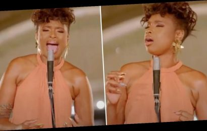 """My Ears Never Really Knew Peace Until Jennifer Hudson Sang """"A Change Is Gonna Come"""" at the DNC"""