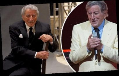 Tony Bennett is honored on his 94th birthday by fellow musical icons