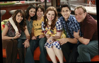 'Wizards of Waverly Place' Reunion: Cast Recreates Crazy Funky Junky Hat Song