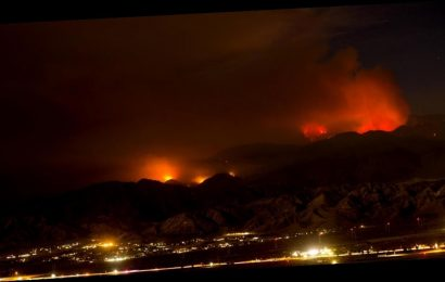 """Apple Fire in California forces thousands to flee: """"It's going to keep going"""""""