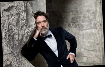 Rufus Wainwright to Perform All of His Albums During 'Livestream Tour'