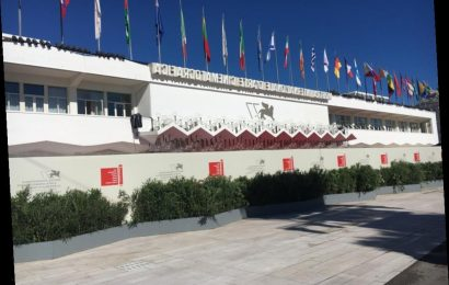 Venice Film Festival Day 0 – The Red Carpet Wall, Press Accreditation & Reserving Seats Online