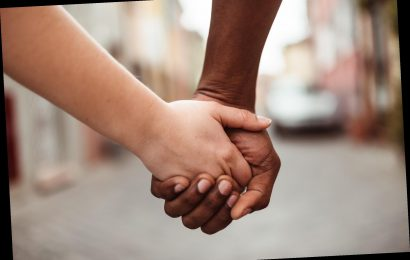 Black mom, white daughter silence snoopy strangers in 'adorable' Instagram video