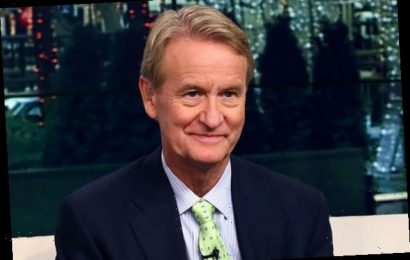 'Fox and Friends' Host Steve Doocy Trashed by Fans for Wearing a Mask
