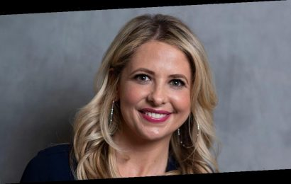 Sarah Michelle Gellar says remote learning, more screen time has led to her son having eye problems