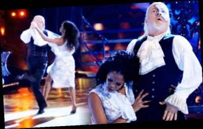 Strictly: Bill Bailey and Oti Mabuse 'very likely winners' despite 'distant' body language