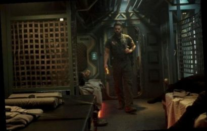 'The Expanse' Creators on That Vulnerable Amos Shower Scene