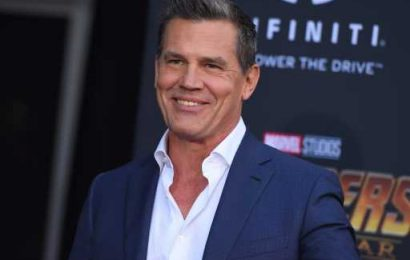 26 Celebrities Who Have Posted Naked Photos (On Purpose)