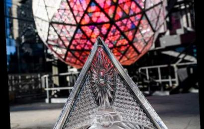 192 New Crystal Triangles Installed on Times Square Ball for New Year's Eve Celebrations