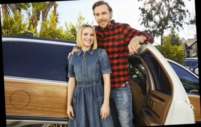 Kristen Bell and Dax Shepard Had a 'Little Therapy Brush-Up' Last Year: 'Incredibly Helpful'