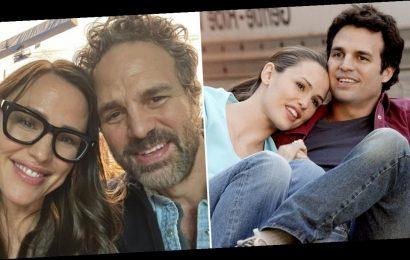 Pass the Razzles: Jennifer Garner and Mark Ruffalo Had a Sweet 13 Going on 30 Reunion