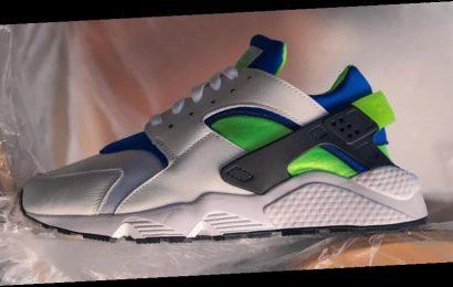 "Nike's Returning Air Huarache OG ""Scream Green"" Receives Lush Detail Shots"