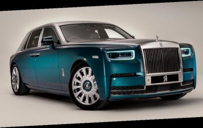 "Rolls-Royce Delivers a Bespoke ""Iridescent Opulence"" Phantom to Abu Dhabi"