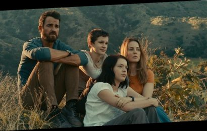 Watch the Trailer for Justin Theroux's New Series 'Mosquito Coast'