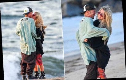Avril Lavigne and boyfriend Mod Sun pack on PDA for birthday beach date